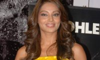 http://images.bollywoodhungama.com/img/feature/10/oct/bipashab7.jpg