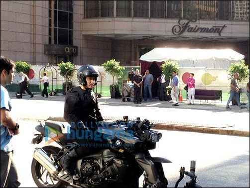 Check Out: Aamir on sets of Dhoom 3 | Latest Movie ... Aamir Khan In Dhoom 3 Sets