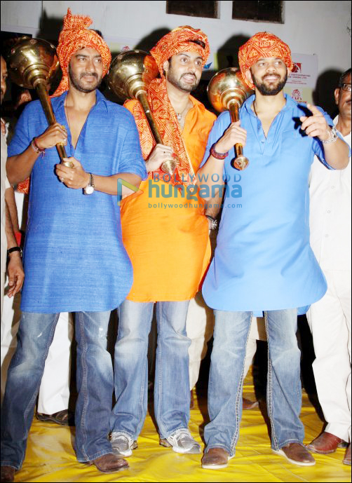 Bol Bachchan team goes to Chandagiram Akhara