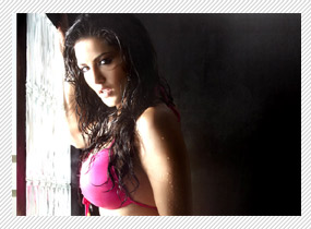 Izna is porn-star but completely different from me - Sunny Leone