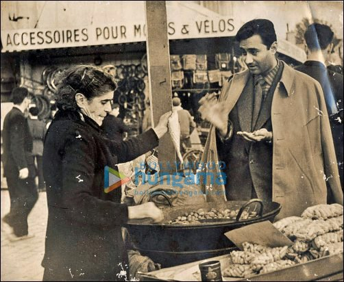 Cake Images With Name Anand : Suniel to celebrate late Dev Anand s 89th birthday ...