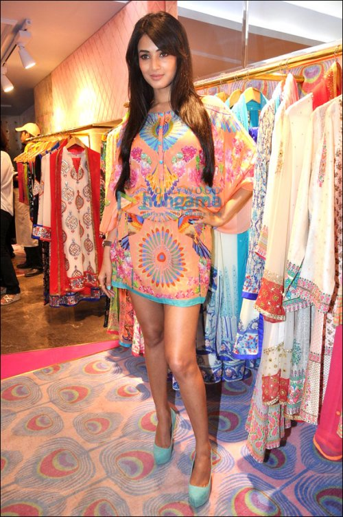 Dress Like a Star: Sonal Chauhan
