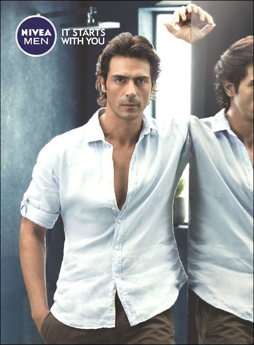 http://images.bollywoodhungama.com/img/feature/13/may/arjunnivea01.jpg