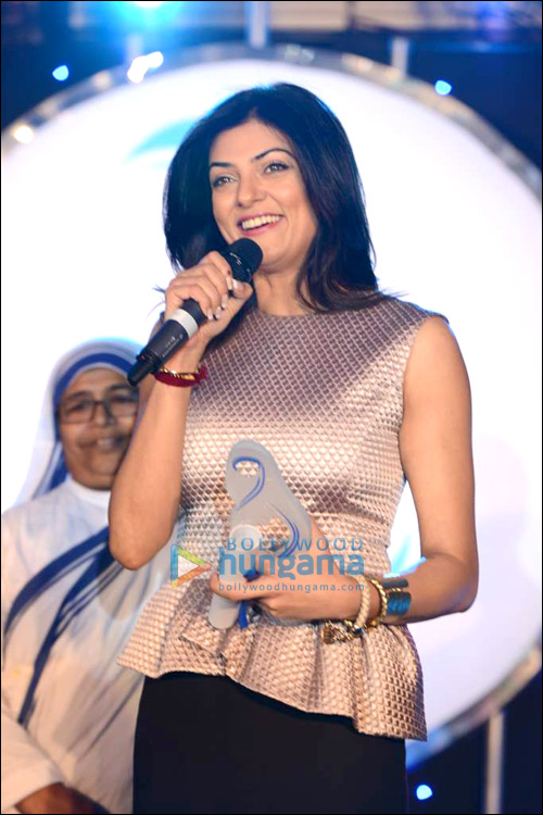 Sushmita Sen receives the Mother Teresa Award