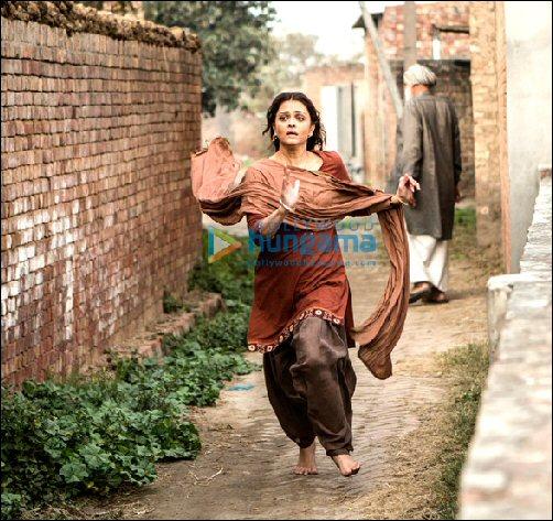 Rai feet aishwarya Amitabh Bachchan