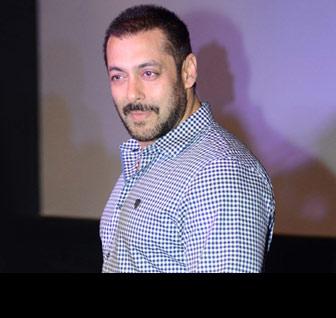 Salman Khan skips Fitoor's screening